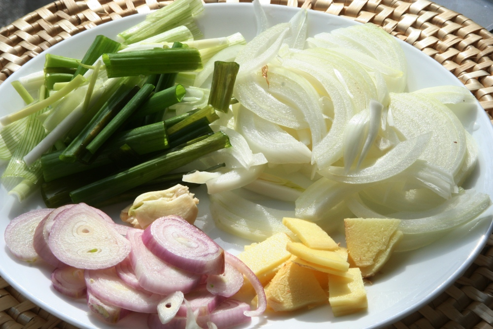 Onion, Ginger, Shallot, Green Onion and Garlic